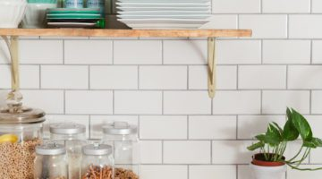 http://www.freshmommyblog.com/wp-content/uploads/2016/08/How-To-Hang-Open-Shelving-on-Tile-1-360x200.jpg